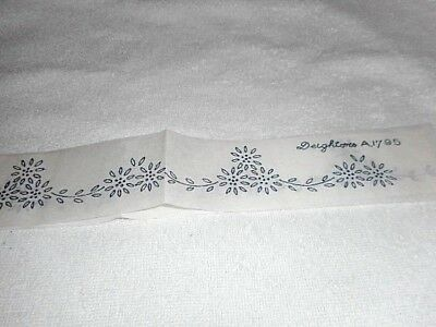 Vintage Embroidery Iron on Transfer - Deightons No. A1795 - Flowers/ Daisies
