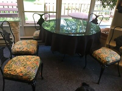 Wrought Iron Table w 6 Chairs