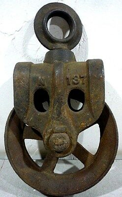 Antique Cast Iron Barn, Well Pulley Trolley. All Moving Parts Working. N-137