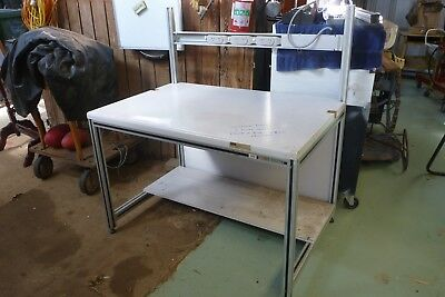 Workbench with aluminium frame
