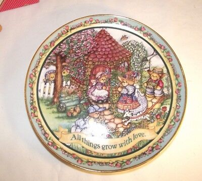 "Lucy & Me /Lucy Rigg 8"" Danbury Mint Plate Ltd. Edition"