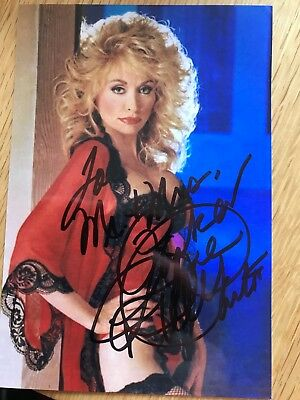 Dolly Parton (American singer-songwriter) Signed Autographed Photo