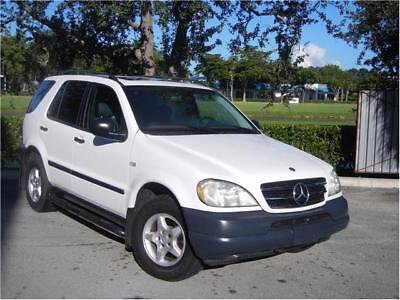 M-Class -- 1999 Mercedes-Benz ML 320 White with Gray Leather 1 Owner Low Miles Must See