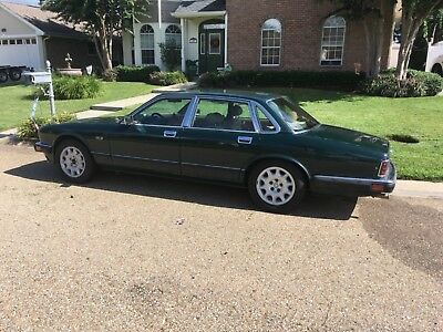 1993 Jaguar XJ6 British racing green 1993 Jaguar XJ-6i