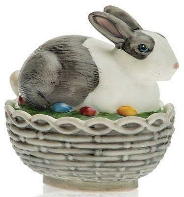 Bunny Rabbit on Basket Covered Dish - Mosser USA - Black & White Antiqued Glass