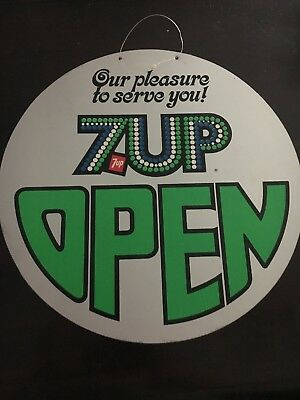 vintage Round 7 up Open/Closed sign
