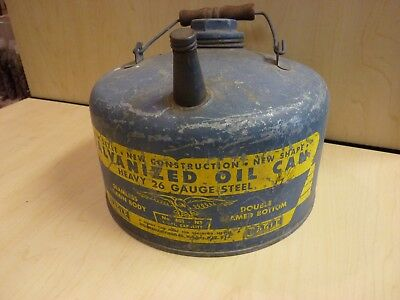 Eagle Manufacturing Co. Seamless Galvanized 26 Gauge 1 Gallon Oil Can No. 401
