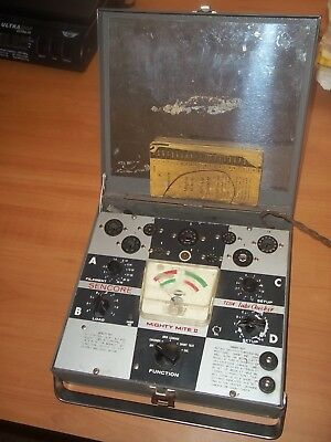 Vintage Sencore Mighty Mite TC114 Tube Tester & Booklet Powers On