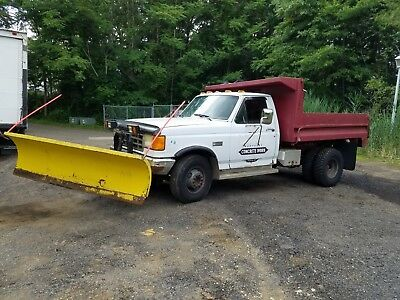 Small Dump Truck with PLOW