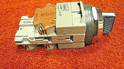 [ 1 ]   IDEC ASW 0323 TW 3 POSITION SWITCH- spring return momentary left