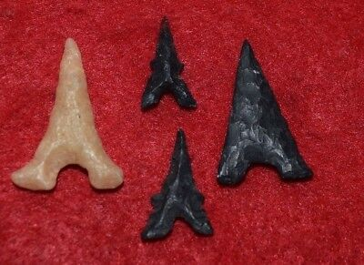 4 high quality Sahara Neolithic tidikelt (Effiel Tower) points small/fine