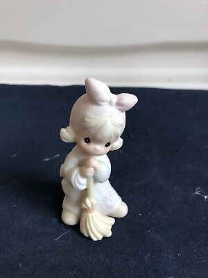 "1989   Precious Moments Figurine, ""Isn't He Precious"",  522988"