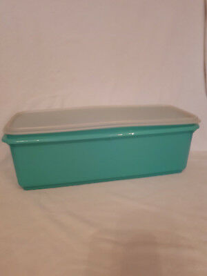 Vintage Tupperware Easy Crisp, complete with grid and lid/seal