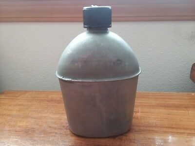 Original WWII U.S. ARMY 1944 Vollrath Military Canteen