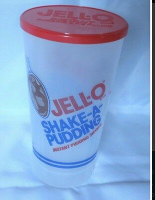 JELLO SHAKE- A- PUDDING- VTG 70's Plastic shaker cup with lid vintage brand new