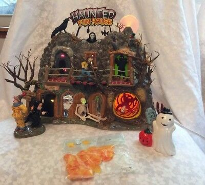 Department 56 Halloween Haunted Fun House Gift Set