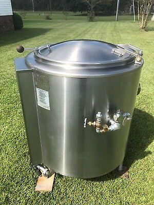 Groen Jacketed Steam Kettle Model#: AH/1-40, Natural Gas! Excellent clean Shape