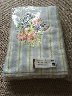 Longaberger Mixed Bouquet Emboidered Bath Towel