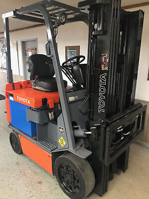 Toyota 30-7Fbcu25 5000Lb Ee Rated Electric Forklift Lift Truck