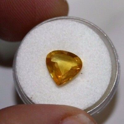 Large Natural  yellow/orange sapphire  gemstone...2.55 carat gem