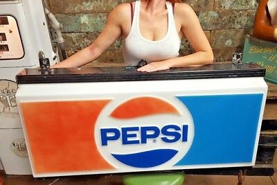 Vintage Light-Up PEPSI Cola Soda Advertising Store Display Sign