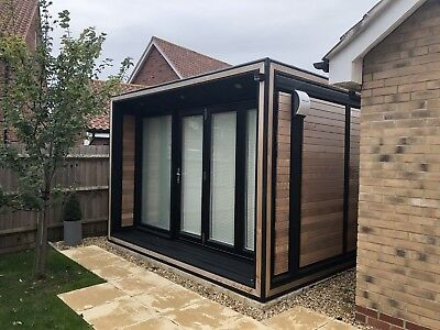 Smart Garden Office - Solo Ultra (1 yr old) Excellent Condition