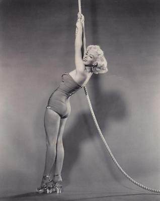 Marilyn Monroe 8x10 Picture Simply Stunning Photo Gorgeous Celebrity #333