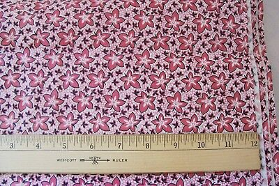 Vtg 1940's 100% Cotton Quilt Dress Weight Fabric Floral.