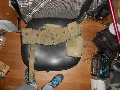 US WWII Pistol belt with WWII 1944 Canteen-Cup & M8 Knife and various pouches