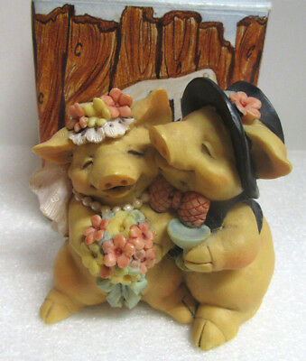 Pigsville ~ WEDDED BLISS ~ Pig Piglet Figurine by Ganz