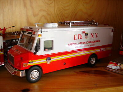 FDNY Special Operations Command Technical Rescue Feuerwehr New York F.D.N.Y.