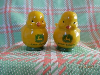 John Deere Chick Salt and Pepper Shaker Set (New In Box)