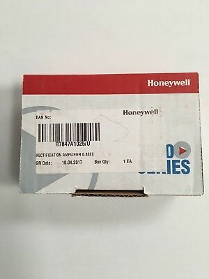 Honeywell R7847A1025 Rectification Flame Amplifier 0.8SEC