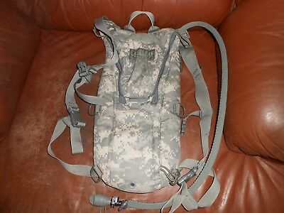 ACU MOLLE Military Army Hydration System Bladder Carrier ThermoBak 3L Omega