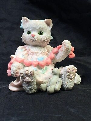 "Calico Kittens ""A GOOD FRIEND WARMS THE HEART"" Cat figurine 1992"