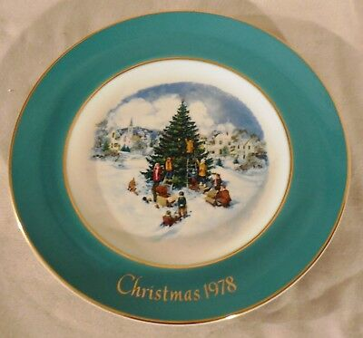 vintage avon christmas plate trimming the tree 1978 8 34 wedgewood