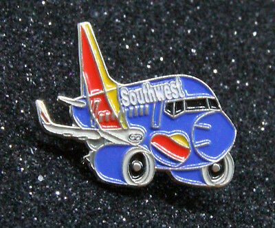 Pin SOUTHWEST AIRLINES SWA CHUBBY pudgy Boeing 737 1 inch / 27mm metal Pin B737
