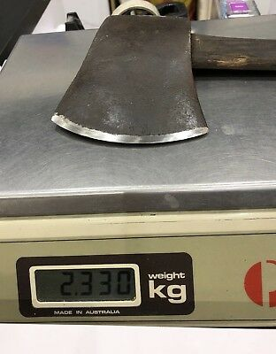 4.5 to 5 lb Axe (2.33 kgs with handle)  132 x 165 mm blade