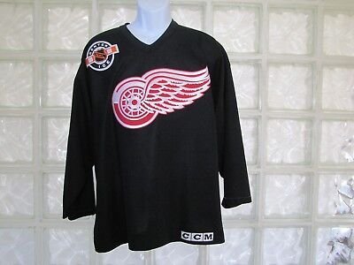 df27a72e3 Men s Ccm Nhl Center Ice Detroit Red Wings Black Blank Back Sewn Jersey Size  Med