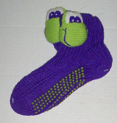 NWT GIRLS KNIT 3D SLIPPER SOCKS with GRIPPER SOLES SIZE 6-8.5 CHOOSE FROG OR CAT