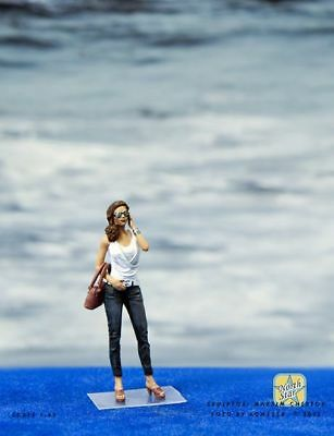 1/43 Girl with phone painted figure NorhStarModels