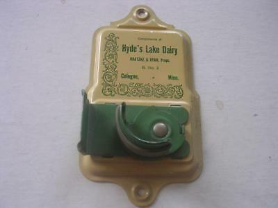 Vintage Hyde's Lake Dairy Kratzke & Ryan Props R No 3 Cologne MN Broom Holder