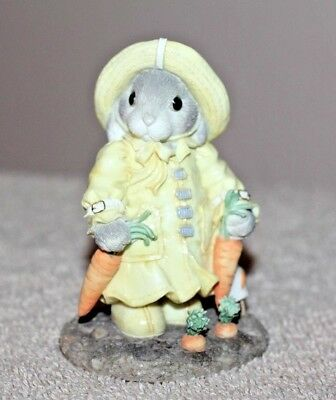 """Enesco Figurine My Blushing Bunnies """"You're A Blessing On A Rainy Day"""" (Lot#877)"""