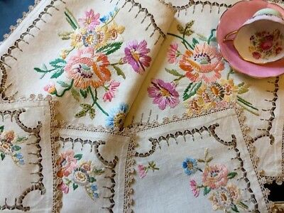 Vintage 1930s linen floral table runner may 4pc set lace edged hand embroidered