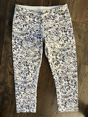 deba19c63 Lululemon Wunder Under Gray Fleur Flower Silver Spoon Print Crop Yoga  Legging 4