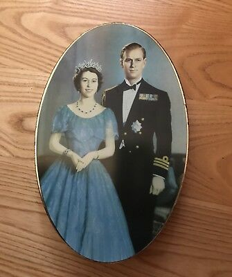 Vintage Biscuit Tin Queen Elizabeth II Coronation 1953 Carr  & Co. Oval