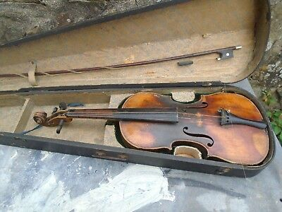 Antique (Probably Late 19Th Century) Violin With Wooden Case And Bow