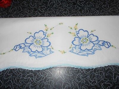 Vintage Pillow Cases with a Pretty Crocheted Border Lot of 6, Great Condition