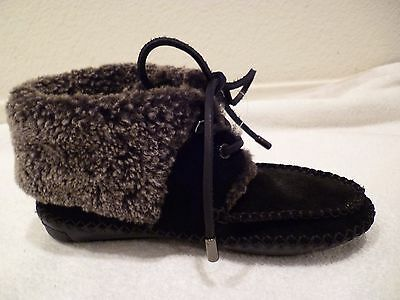 Tory Burch Black Suede & Grey Shearling Lace Up Moccasin Booties (3317) SZ 5-NEW