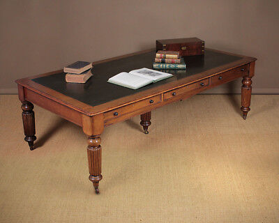 Very Large Antique Mahogany Library Table c.1880.